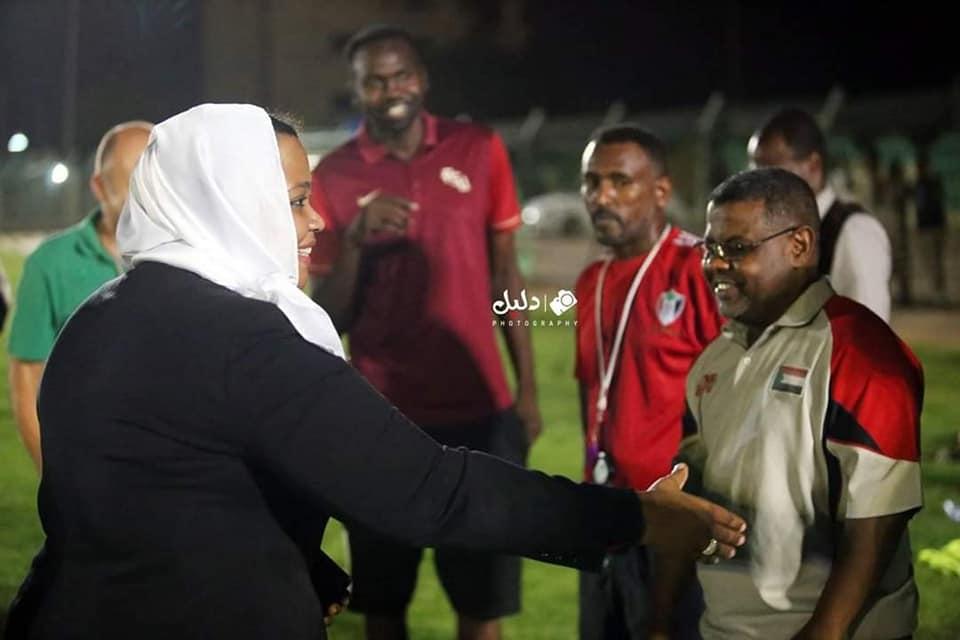 البوشي تقتحم مران المنتخب بعد اداء مراسم القسم