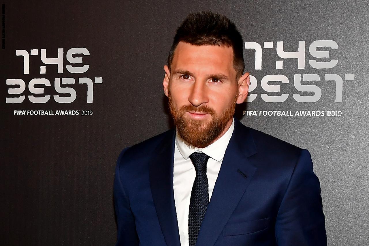 ميسي يفوز بجائزة افضل لاعب في العالم