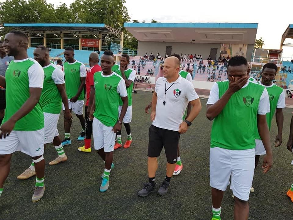 اتحاد الكرة : مدرب المنتخب لم يصوت لميسي بل صلاح