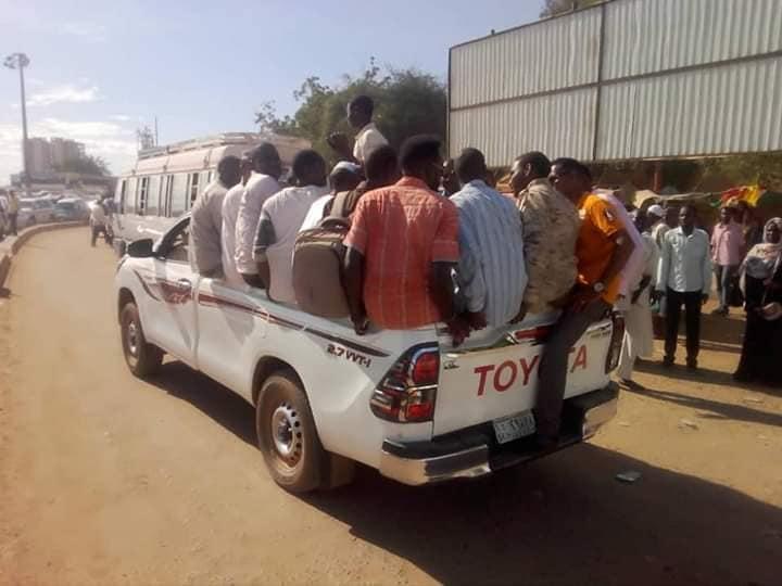 مواطنوا (الخرطوم) يشيدون بمبادرة الدعم السريع لحل ازمة المواصلات*