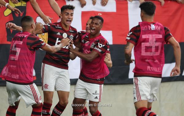 فالامنجو يضرب باهيا ويتصدر الدوري البرازيلي
