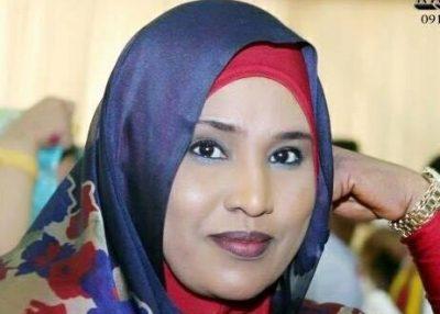 الخرطوم: داليا الياس تشعل الأسافير