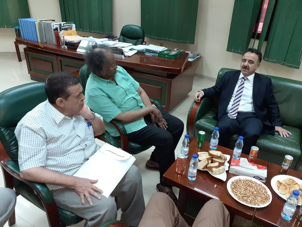 أبوجبل يلتقي لجنة الصالات ظهراً لترتيب الدورة التدريبية للمدربين