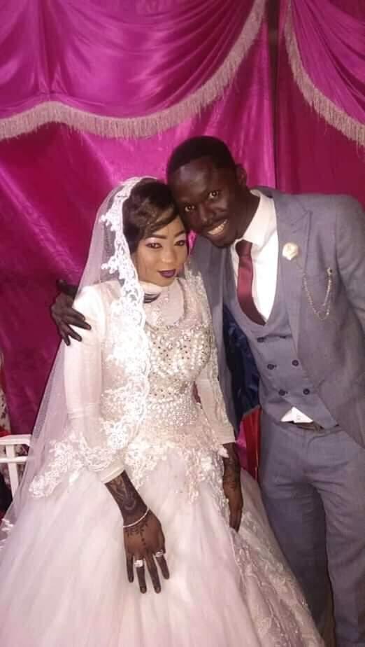 المحترف العاجي ابراهيما كونيه يتزوج سودانية
