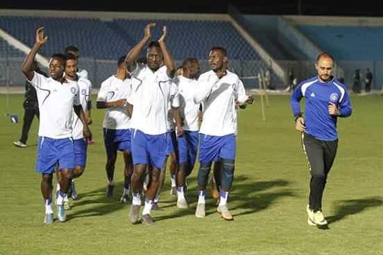 كامبوس يطالب اللاعبين بالقتال امام الاهلي المصري