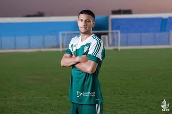 لاعب منتخب السودان ياسين حامد وقع عقدا مع جيك الروماني