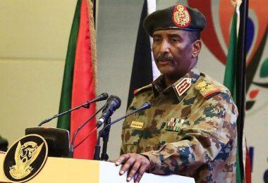 وزير الاعلام فيصل محمد صالح: لا علم لنا بلقاء رئيس مجلس السيادة بنتنياهو