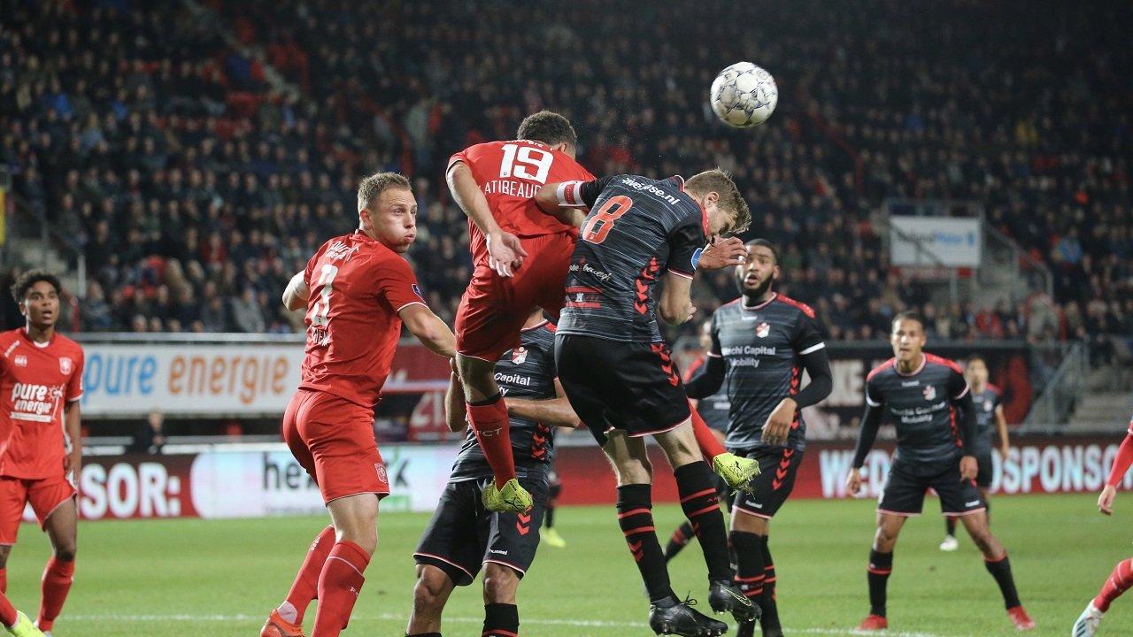 ايقاف كرة القدم في هولندا بسبب كرونا