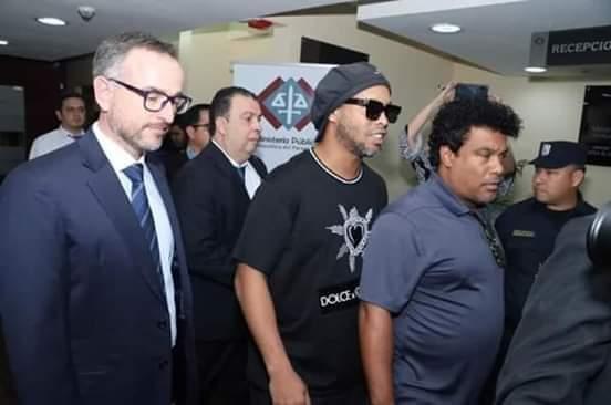 اطلاق سراح رونالدينيو