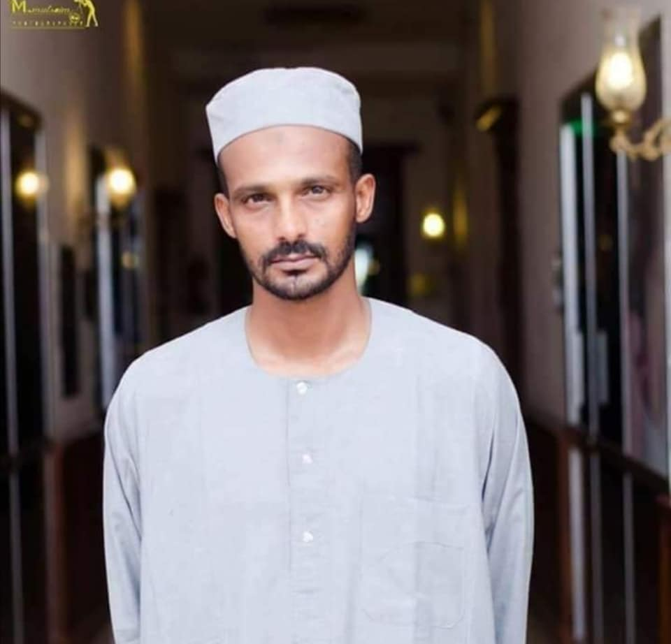 هيثم مصطفى يهنيء الامة السودانية بحلول رمضان