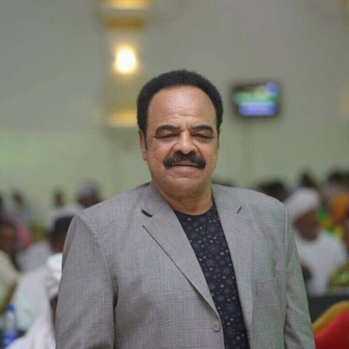 السفير خالد الترس القنصل العام السابق بجدة ينعي ابراهيم قديس