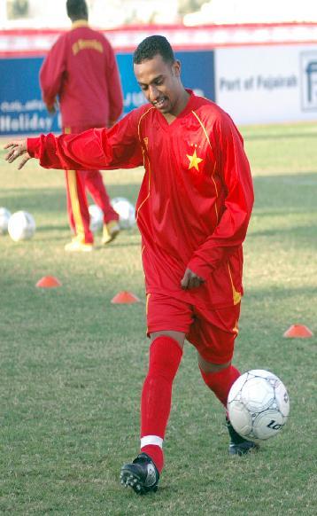 السعودي:العجب افضل من لعبت معه والتش افضل لاعب حاليا