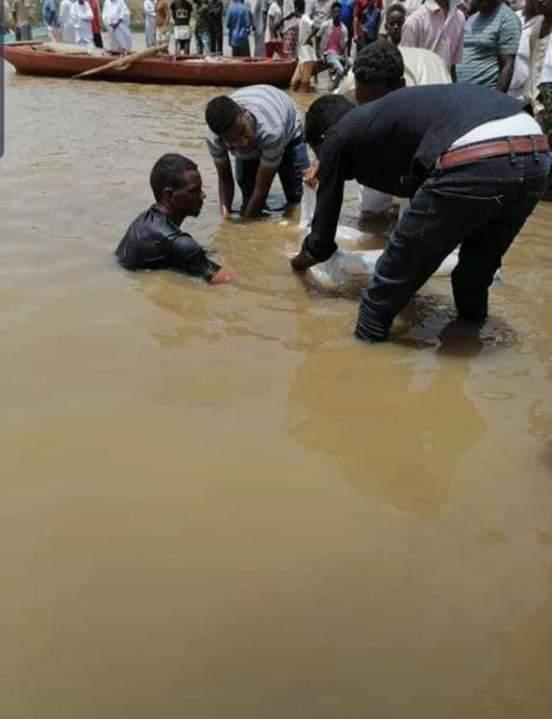 الحزن يخيم على الجريف غرب بعد غرق (4) من شبابها بالنيل