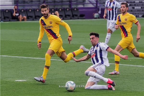 خبير تحكيمي :برشلونة يستحق ركلة حزاء