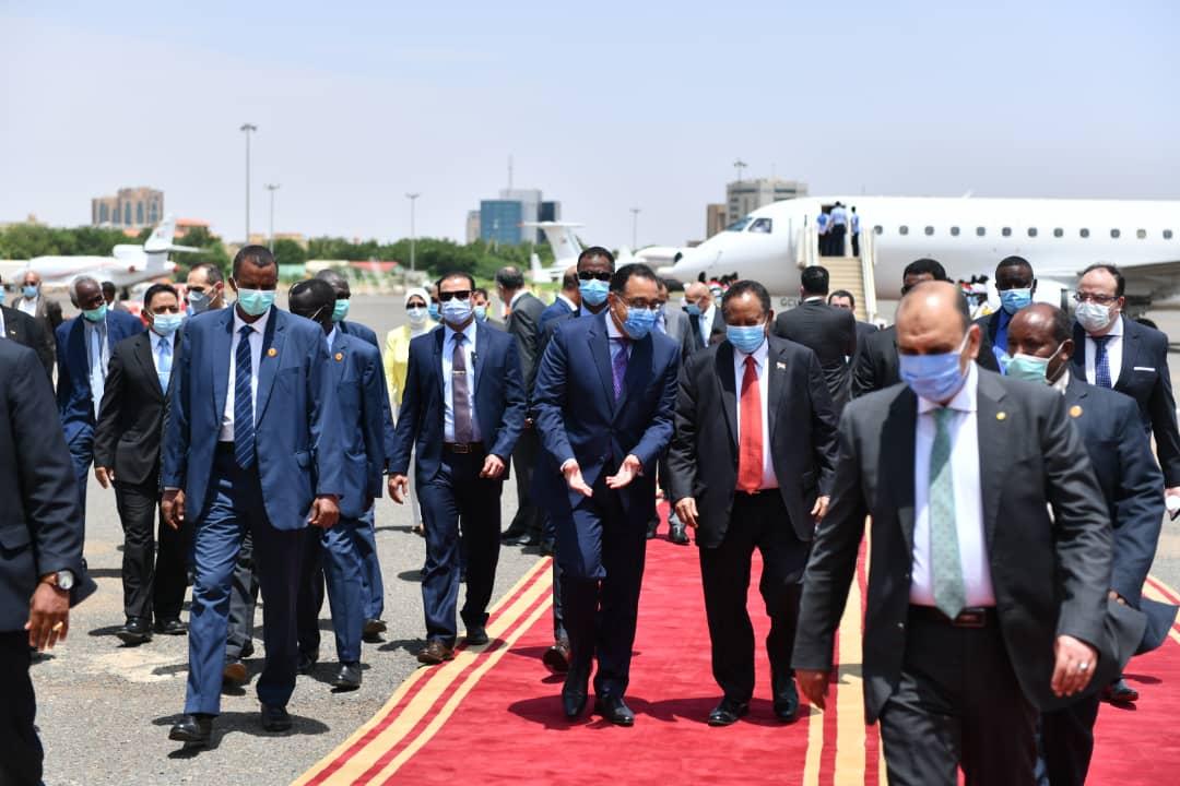 حمدوك يرحب بزيارة نظيره المصري للسودان ووفده