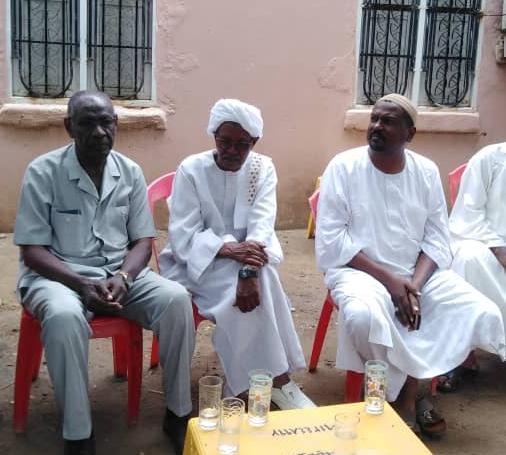 وفد رفيع من نادى الهلال العاصمي يؤدي واجب العزاء في فقيد الكرة السودانية سمير صالح*