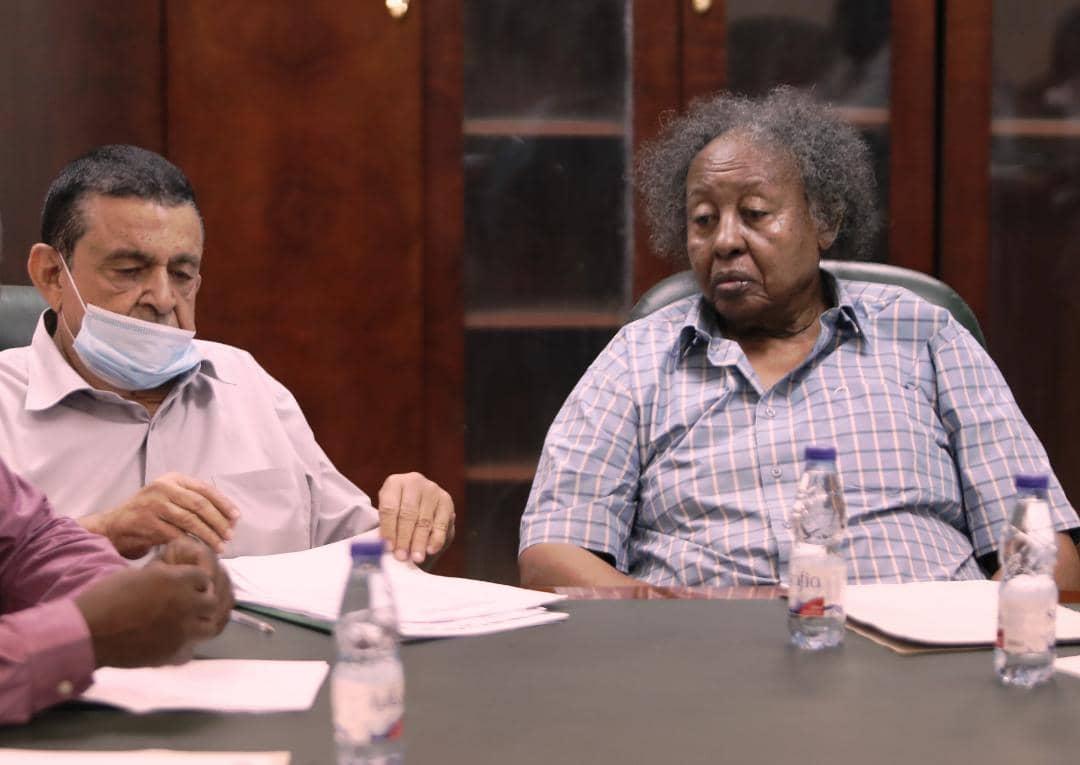 شداد وابوجبل يجتمعان بإدارة المشاريع في الفيفا