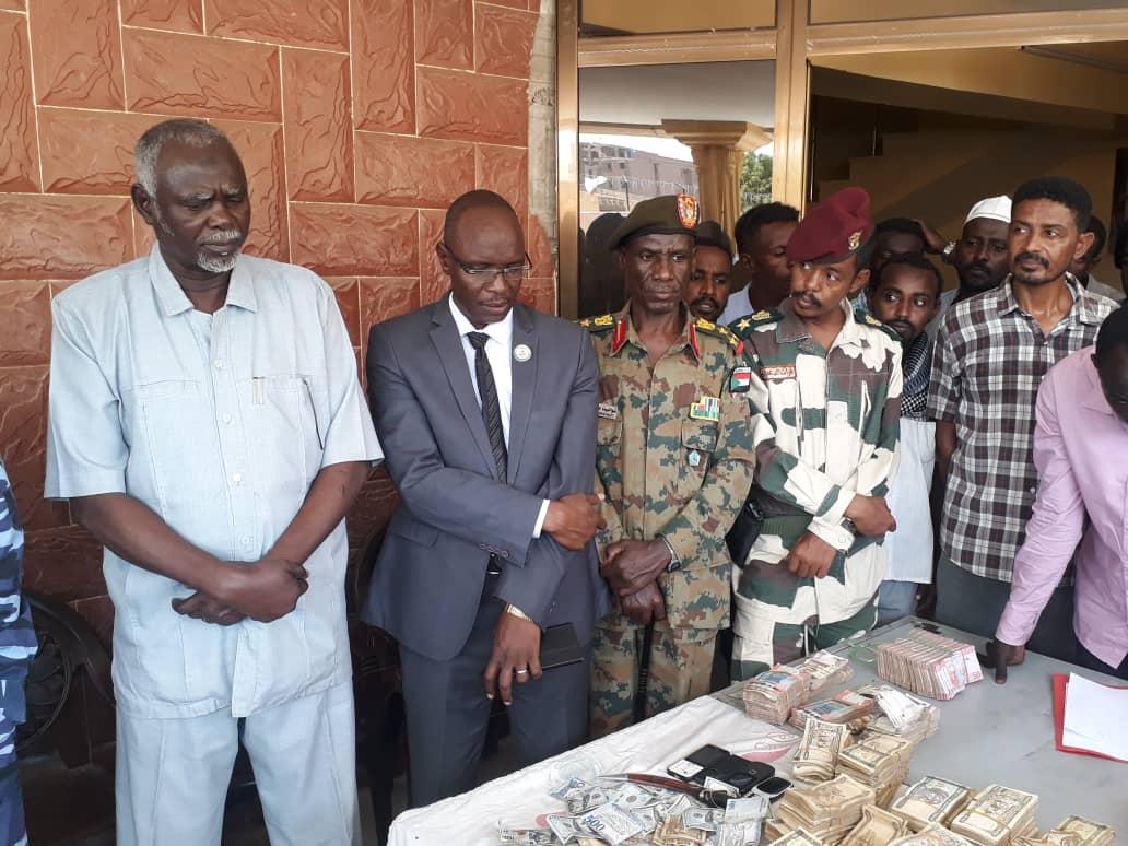 السلطات السودانية تلقي القبض على تجار كبار يضاربون في العملة