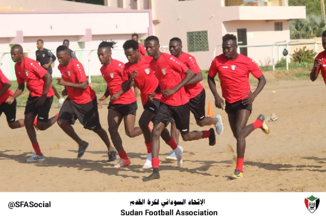 الاتحاد يخضع لاعبي المنتخب لفحص كورونا قبل لقاء الغاني