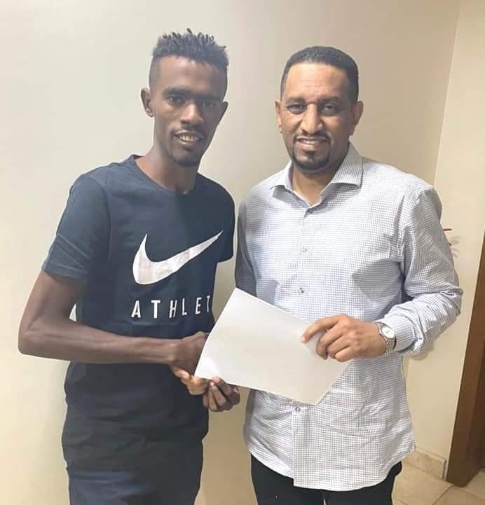 نجم الهلال ياسر مزمل:لن اتنازل عن هدفي في الموسم الجديد مع الازرق