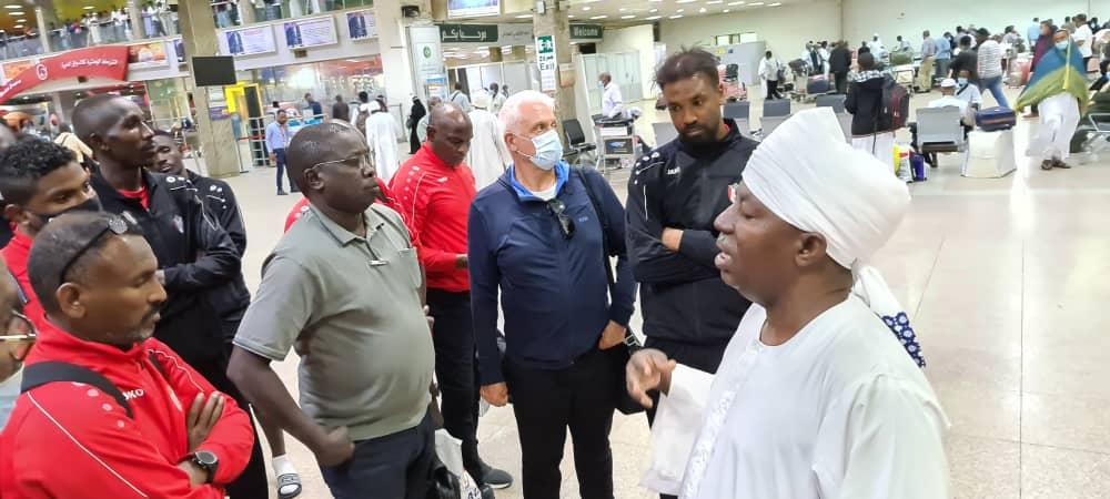 مدرب صقور الجديان يكشف عن حقائق جديدة في مؤتمر صحافي عن مواجهة غانا