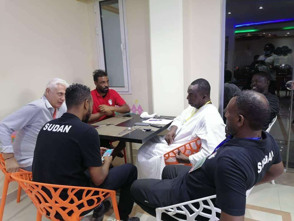 برقو.. فيلود.. أكرم.. يهدون الفوز على غانا إلى شداد