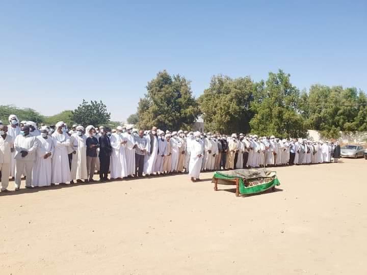 السلطات تمنع البشير من تشييع جثمان شقيقه