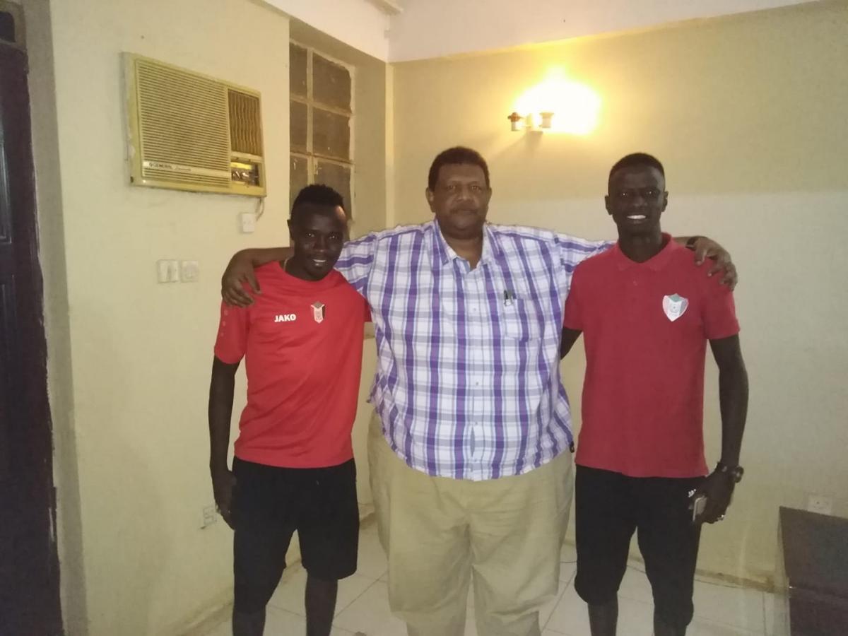 الرياضيون السودانيون اهلة ومرييخاب يتسابقون لعلاج التش