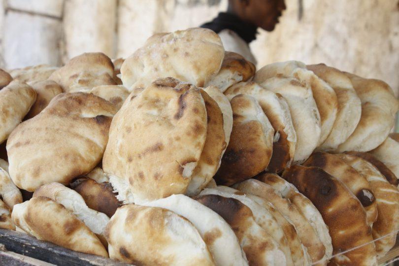 زيادة سعر الخبز ل (خمسة) جنيهات