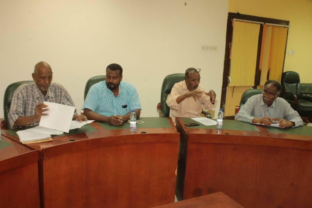لجنة الصالات تجتمع وتناقش ملف ملعب البطولة وتعتمد تنظيم الشاطئية