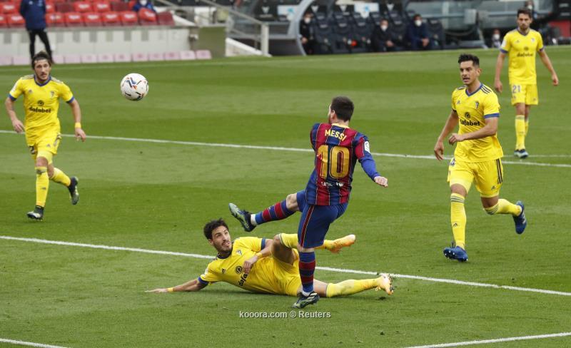 برشلونة يواصل نزيف النقاط بتعادل امام قادش