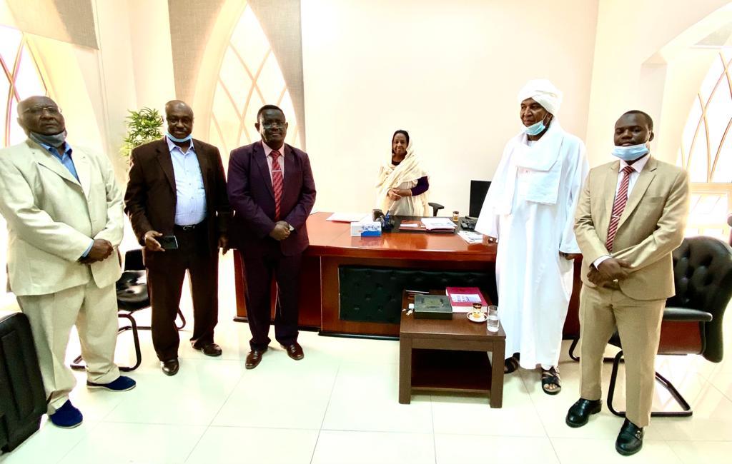 لمناقشة عدد من القضايا  السفارة السودانية تجتمع مع الرياضيين