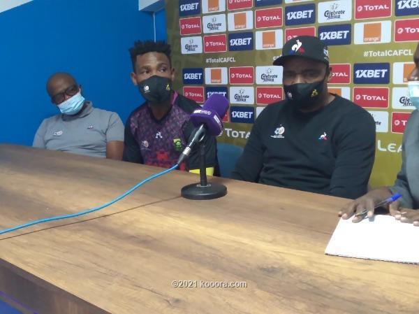 مدرب جنوب افريقيا :التأهل سيكون من نصيبنا