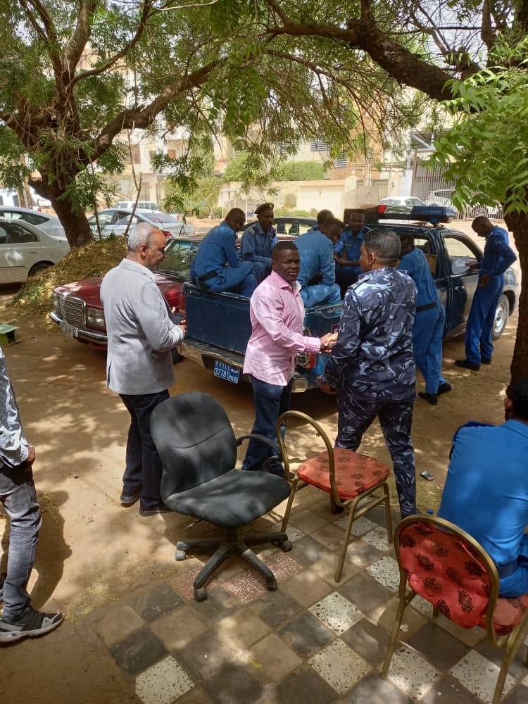 عاااجل..بالصورة.. سوداكال يتحدي الجمعية العمومية ويتفقد المكتب التنفيذي رفقة الشرطة