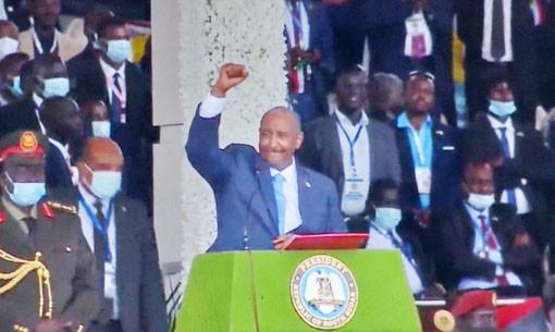 البرهان: التحية لشباب المنتخب السوداني
