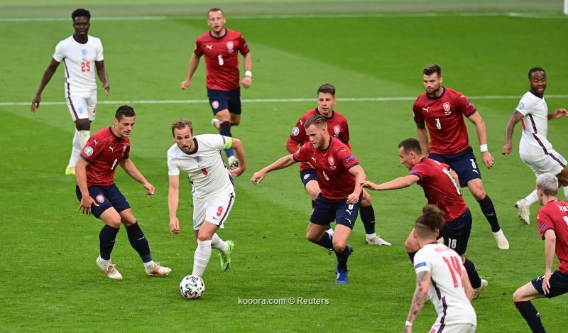 انجلترا تتصدر مجموعتها بالفوز بهدف على التشيك