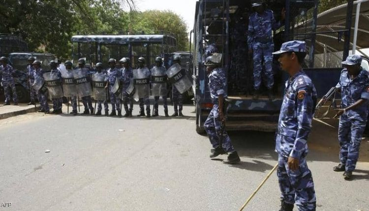 إصابة 52 شرطيا في مواكب 30 يونيو