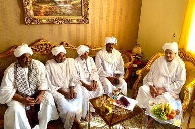 سفير السودان بقطر يواصل زياراته الاجتماعية