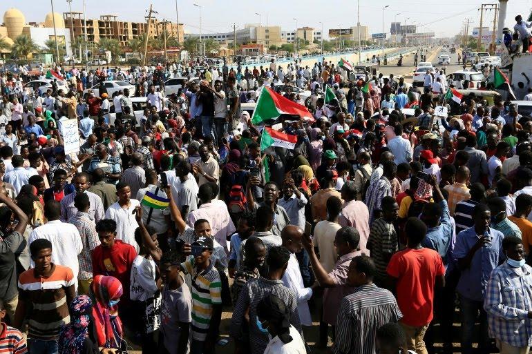 خيانة الثورة والمدنية خيانة للشعب
