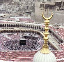 ما حكم الشخص الذي  يصوم رمضان ولا يصلي الصلوات الخمس ؟!!