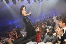 هيفاء وهبي تحتفل بعيد الأضحى في بيروت وسط زحام من معجبيها!!!