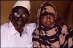 حدث في الصومال : زواج معمر وصل الى 112 سنة من فتاة عمرها 17 سنة