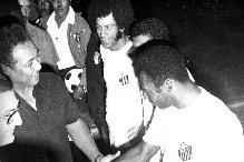 سانتوس اعظم اندية البرازيل زار السودان ولعب امام الهلال