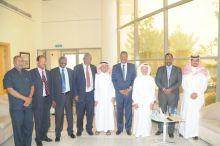 السفير عبد الحافظ والدكتور تيتاوي يزوران  هيئة الصحفيين السعوديين