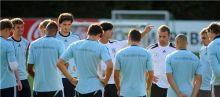 الماكينات الألمانية تواجه النمسا لحسم  تأهلها إلى نهائيات مونديال البرازيل