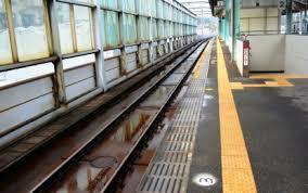 ياباني يستيقظ على مسار المترو ليجد ساقه مبتورة