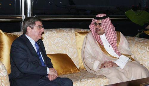 رئيس اللجنة الأولمبية الدولية يدعم خطة الرياضة السعودية وزيادة مشاركة المرأة فيها
