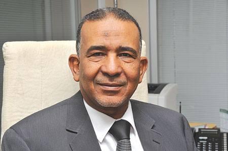 معتمد المناقل أنس عمر يزور نادي النيل ممثل المحلية في التأهيلي ويعد بدعمه لبلوغ الممتاز
