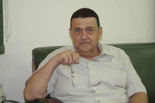 دكتور أبو جبل يعود لمزاولة مهامه ويشكر الجميع