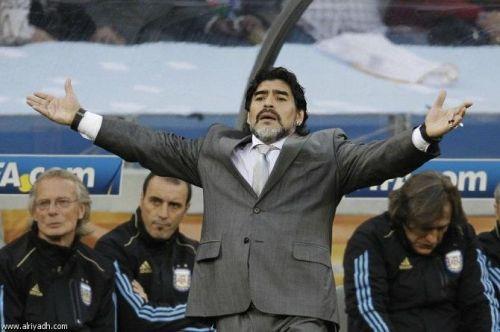 مارادونا: ميسي لا يستحق جائزة أفضل لاعب
